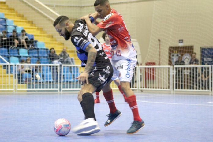 Iully Ribeiro/Tubarão Futsal/Divulgação/Notisul