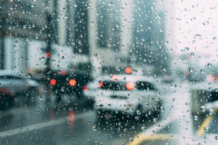#Pracegover Foto: na imagem há um temporal