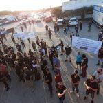 #Pracegover Foto: na imagem profissionais da área de eventos fazem manifestação em Laguna e pedem volta das atividades