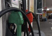 #Pracegover Foto: na imagem há bombas de combustíveis