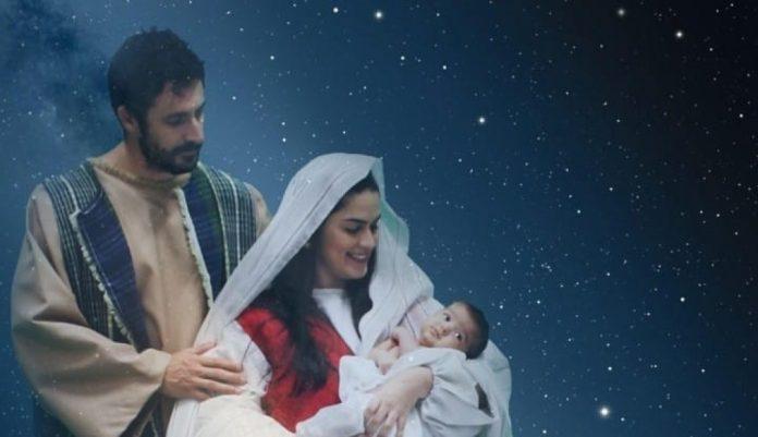 #Pracegover Foto: na imagem há um bebê, uma mulher e um homem