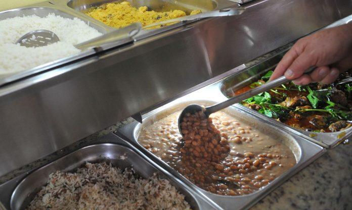 #Pracegover Foto: na imagem há alimentos prontos para o consumo