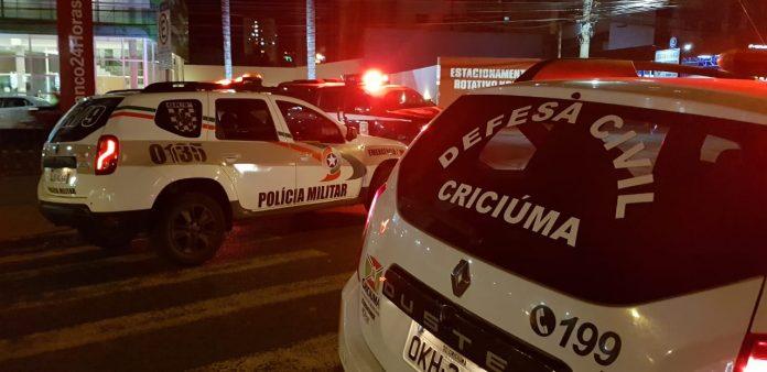 #Pracegover Na foto, viaturas da Polícia Militar Criciúma