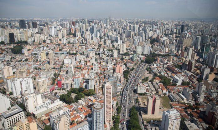 #Pracegover Foto: na imagem há vários prédios