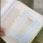#Pracegover Foto: na imagem há um livro aberto