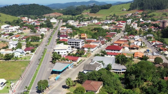 #Pracegover Foto:na imagem há vias e casas