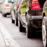 #Pracegover Foto: na imagem há inúmeros veículos em uma rodovia