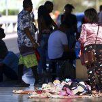#pracegover Na foto, Comércio de rua em Brasília