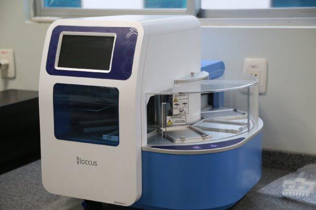 #Pracegover Foto: na imagem dá um aparelho na cor azul e branca