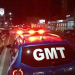 #pracegover Na foto, Viaturas da Polícia e Guarda Municipal durante fiscalização