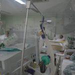 #pracegover Na foto, pacientes de Covid-19 em hospital de Xanxerê