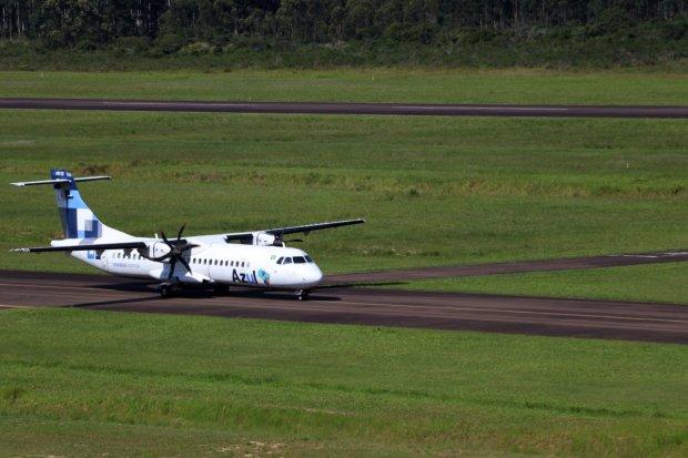 #Pracegover Foto: na imagem há uma aeronave