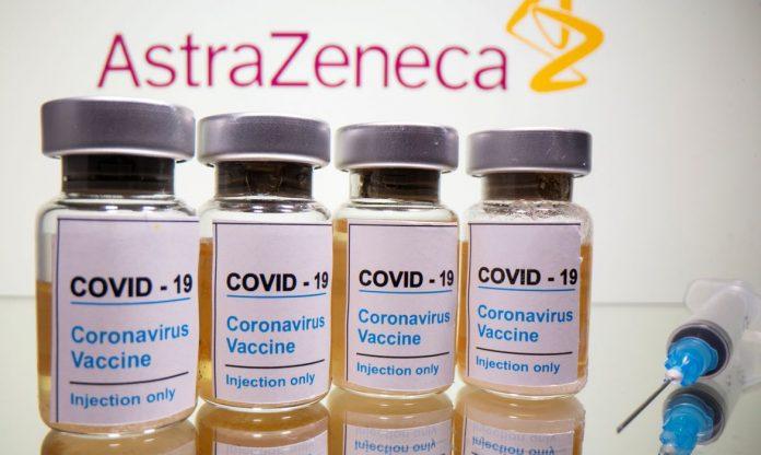 #Pracegover Foto: na imagem há 4 frascos de vacina