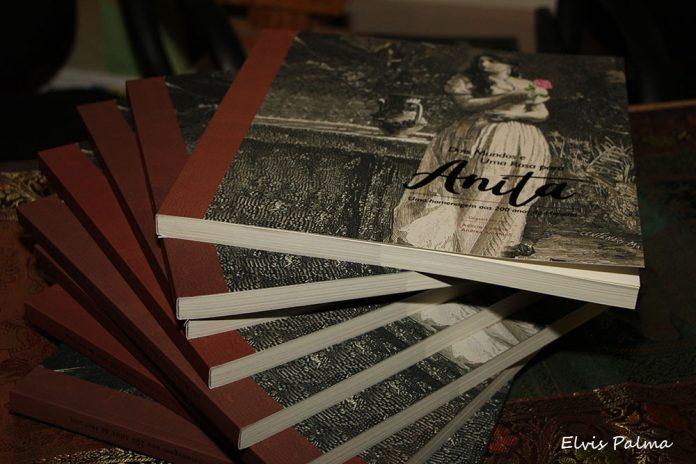 #Pracegover Foto: na imagem há alguns livros