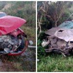 #Pracegover Na foto, carros destruídos após baterem de frente e capotar