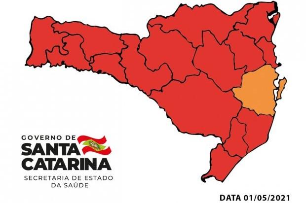 #Pracegover Na foto, Mapa de Santa Catarina demarcando as regiões de risco