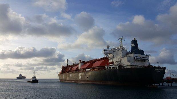 #Pracegover Foto: na imagem há embarcações e o mar