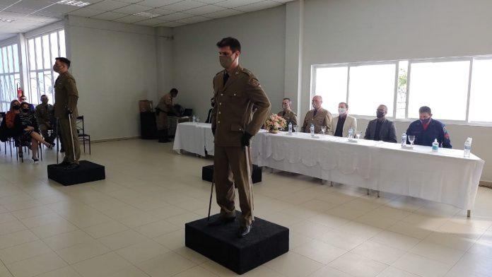 #Pracegover Foto: na imagem há uma cerimônia da PM