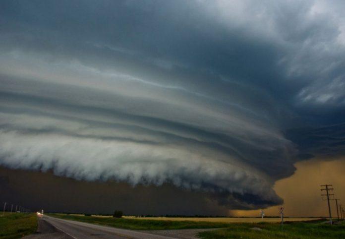 #Pracegover Na foto, aproximação de uma nuvem de tempestade