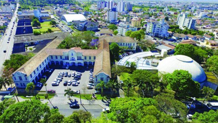 #Pracegover Na foto, vista aérea da UniSul