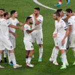 #Pracegover Na foto, jogadores comemoram gol