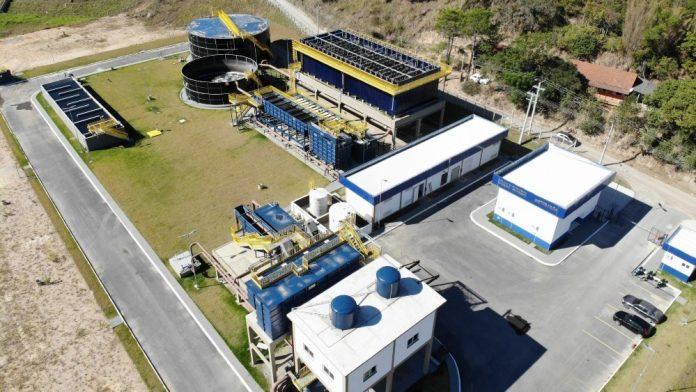 #Pracegover Na foto, imagem aérea de uma estação de tratamento de água
