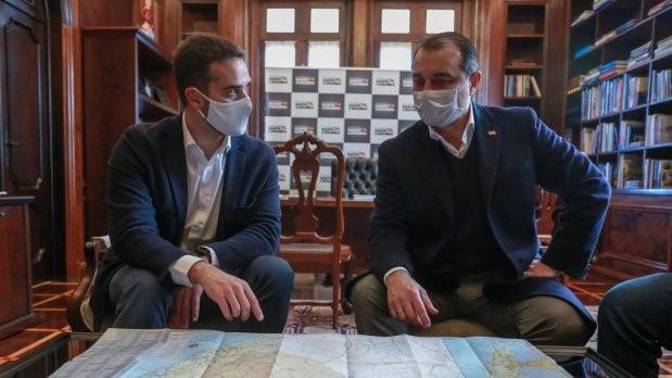 #Pracegover Na foto, Governador do RS Eduardo Leite e Governador Carlos Moisés