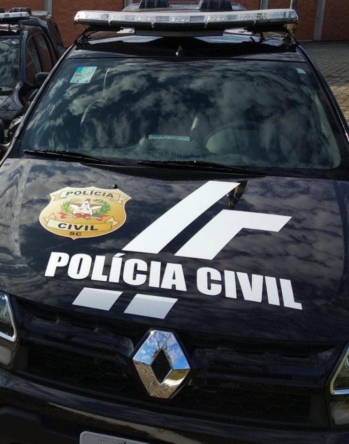 #Pracegover Foto: na imagem há uma viatura policial