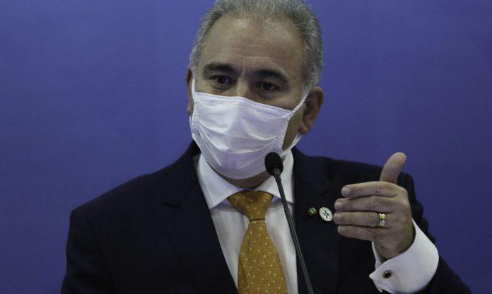 #Pracegover Na foto, ministro da Saúde, Marcello Queiroga, durante discurso