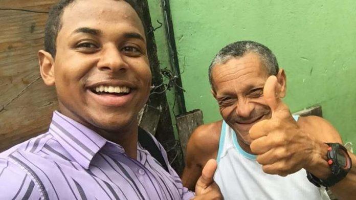 Jovem baiano aprende Libras para alfabetizar e evangelizar pessoas surdas