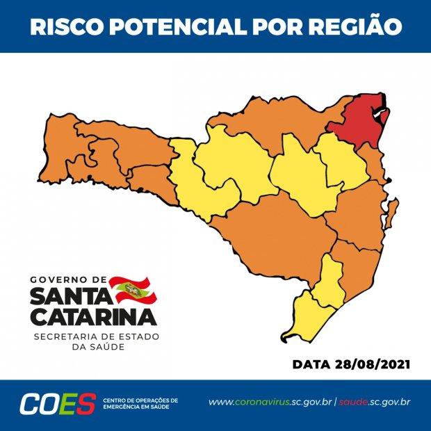 #Pracegover foto: na imagem há o mapa de SC em vermelho, laranja e amarelo