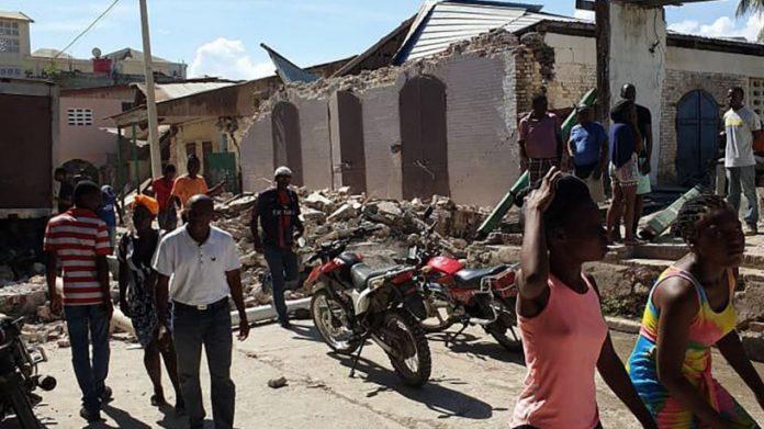 Terremoto no Haiti fez mais de 300 mortos e 1800 feridos