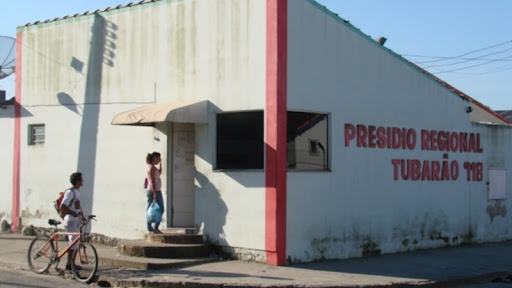 #Pracegover foto: na imagem há uma construção, o presídio feminino de Tubarão