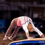 #Pracegover foto: na imagem há uma jovem atleta